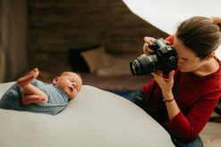 Newborn photography introduction with Camelia Burduja